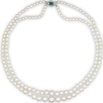 Ожерелье из двойной нити жемчужин с подвеской из изумруда и алмазов